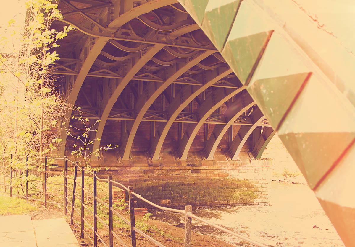 The eponymous bridge at Kelvinbridge Station