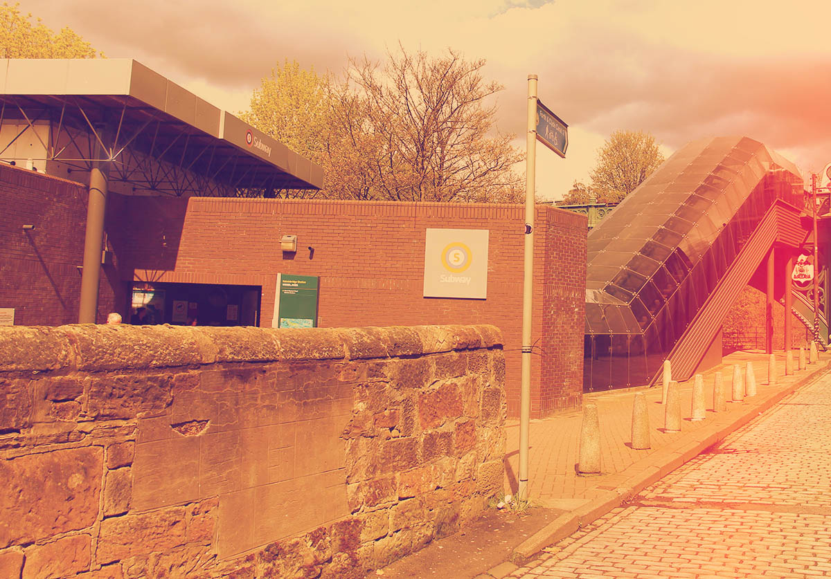 The entrance to Kelvinbridge Station